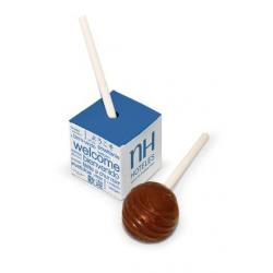 Chupa de chocolate en caja cubo